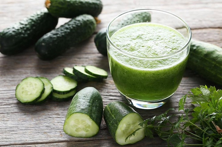 How to Make Your Lips Soft Using Juice of Cucumber