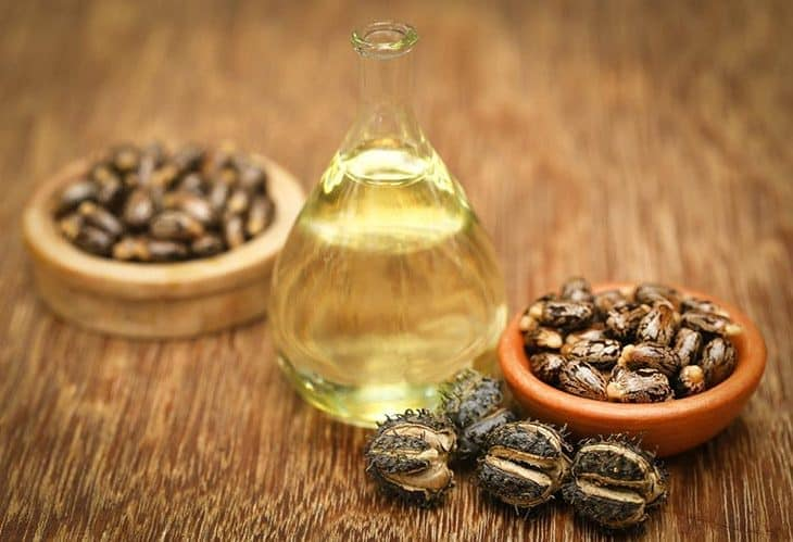 castor oil for Remove Beauty Marks