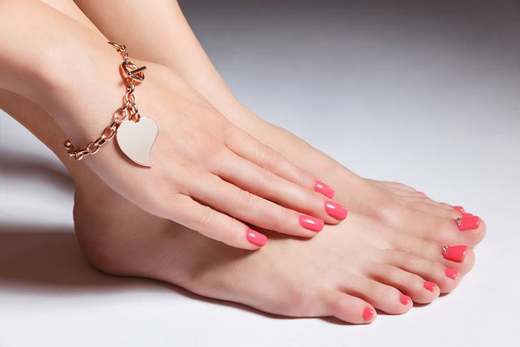 What S The Difference Between Acrylic And Gel Nails All You Need To Know Which One To Choose